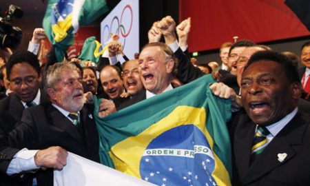 Pele-and-Lula-celebrate-R-001